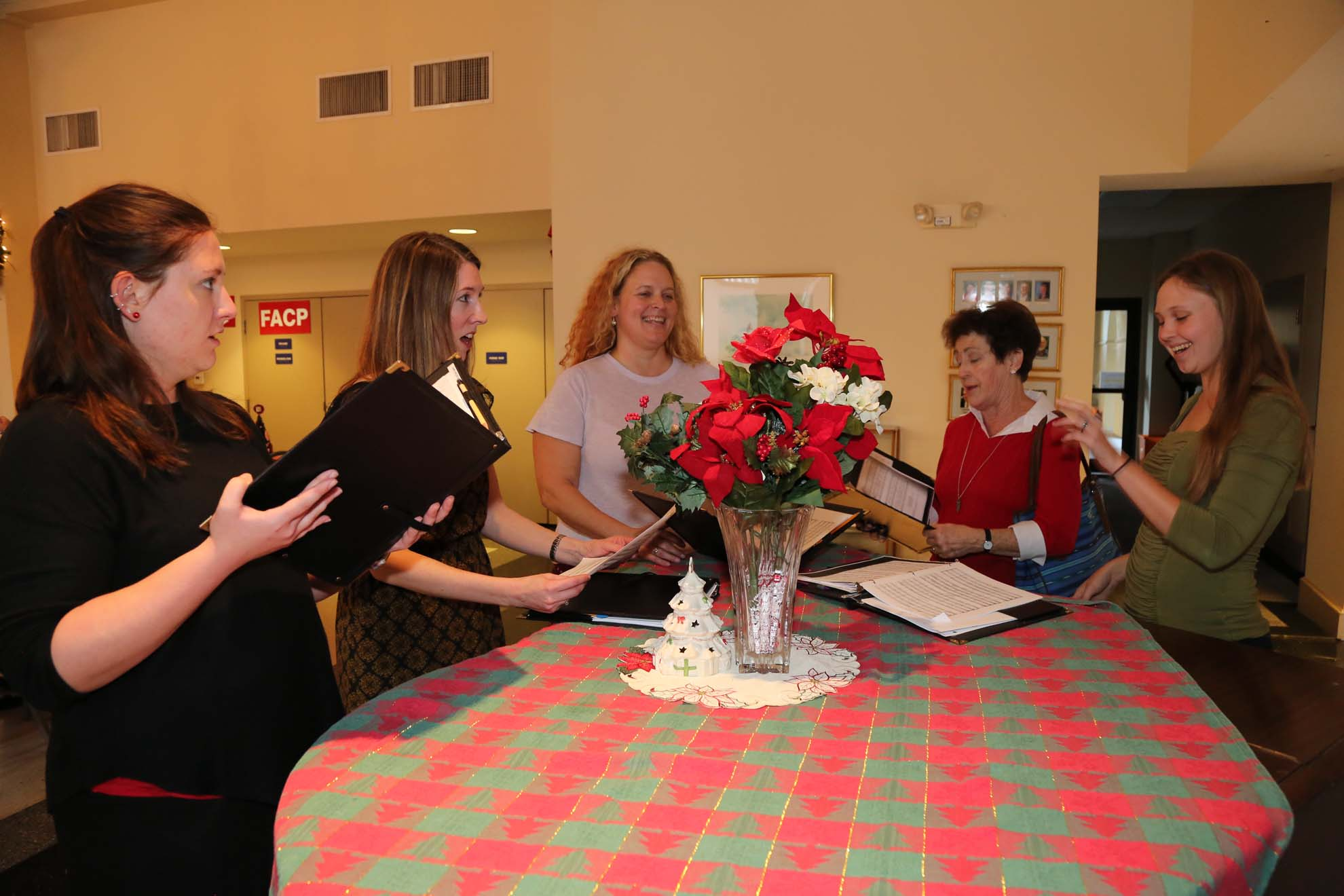 2017-12-17-Christmas-Party (1)